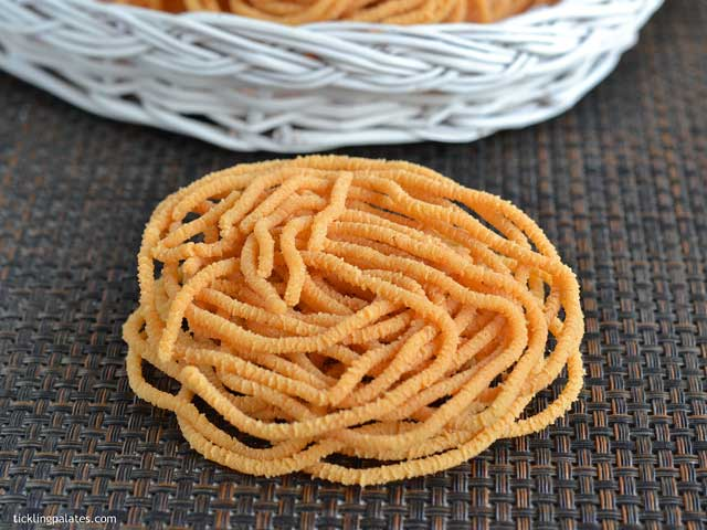 Potato-Murukku-Recipe