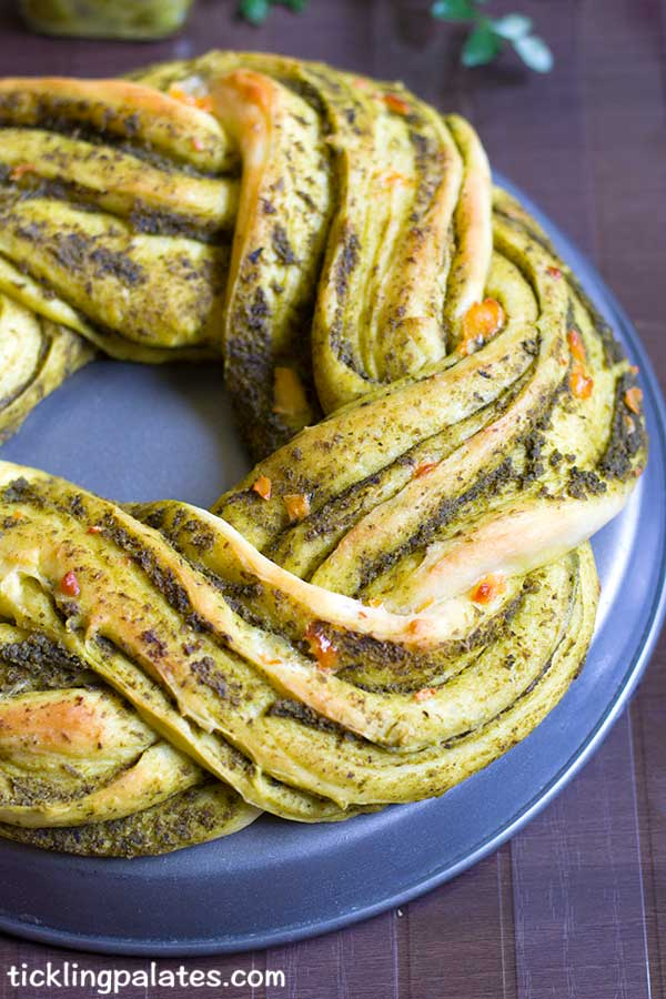 eggless braided pesto bread