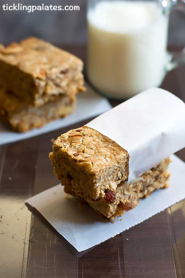 breakfast bars with oatmeal