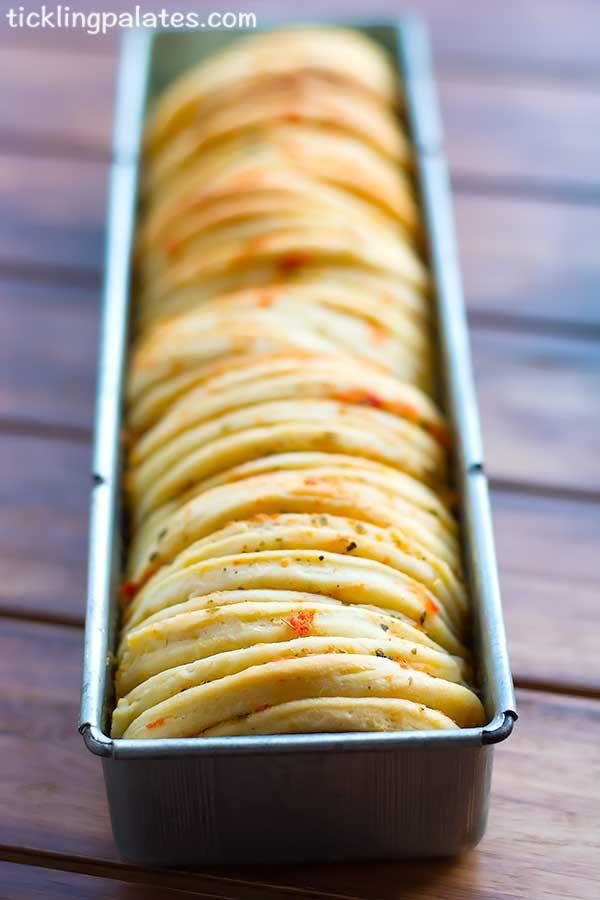eggless butterflake herb loaf