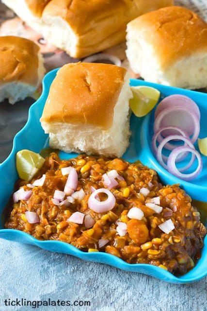 mung sprouts pav bhaji