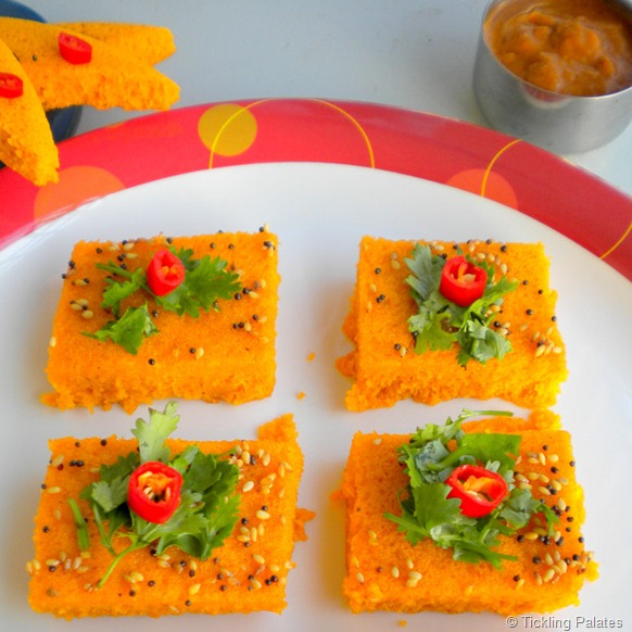 Dhokla recipe tomato dhokla for blog hop wednesdays tickling i was first introduced to this simple yet delicious gujarati recipe when i was in high school at my friends home who was a tambram forumfinder Choice Image
