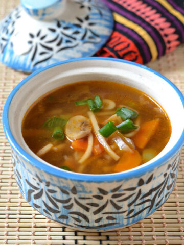 easy-veg-chow-mein-soup
