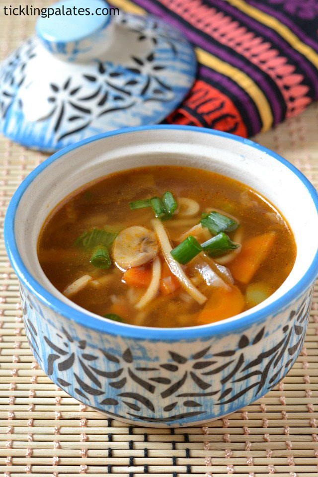easy-veg-chow-mein-soup