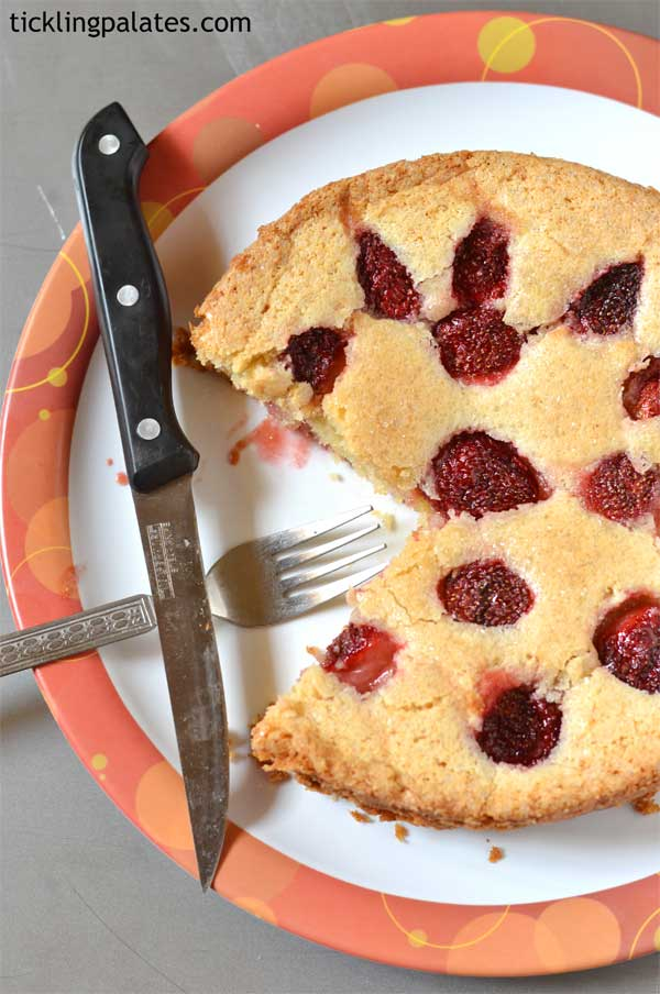 whole wheat eggless strawberry summer cake