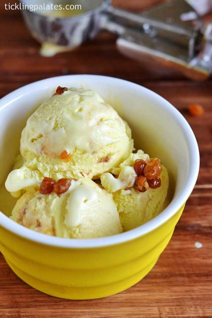 Eggless Butterscotch Ice cream