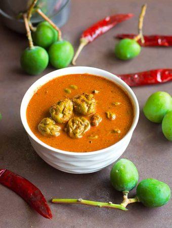 Maavadu Recipe – Vadu Mango Pickle – Vadu Mangai Urugai