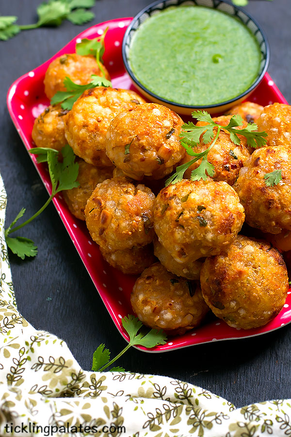 sabudana vada in appe pan