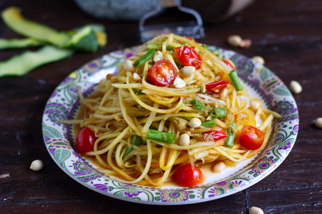 vegan thai green papaya salad