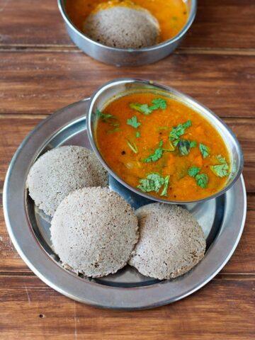 idli made with ragi and kambu