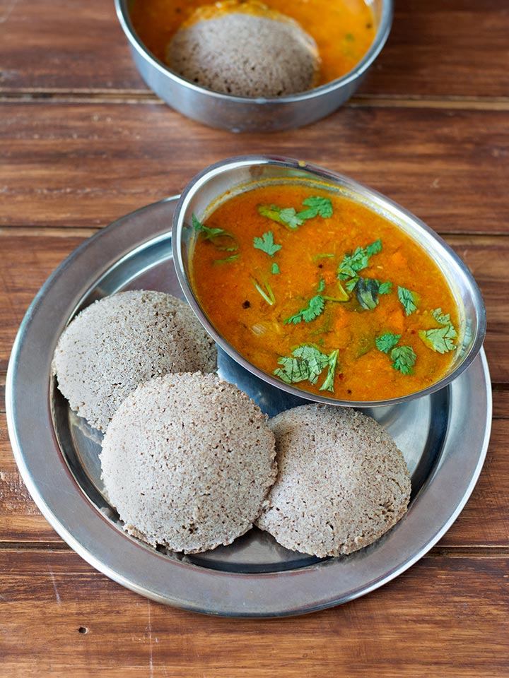 idli made with ragi and kambu